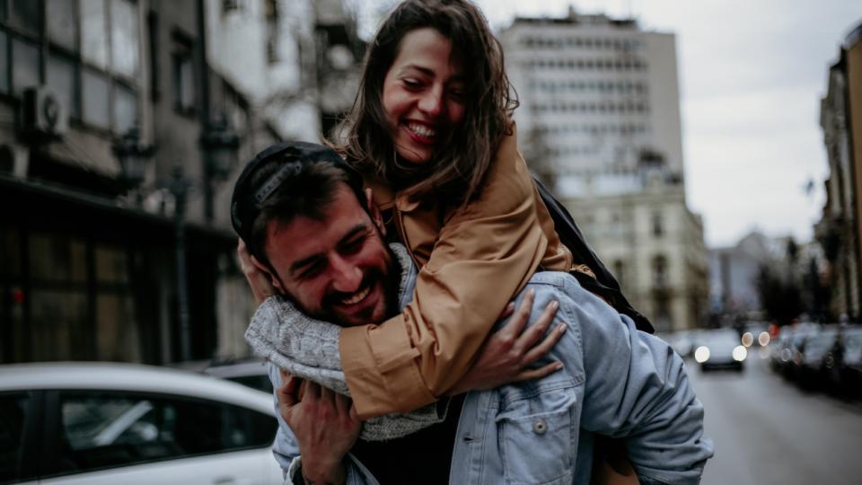 любов връзка двойка кафе