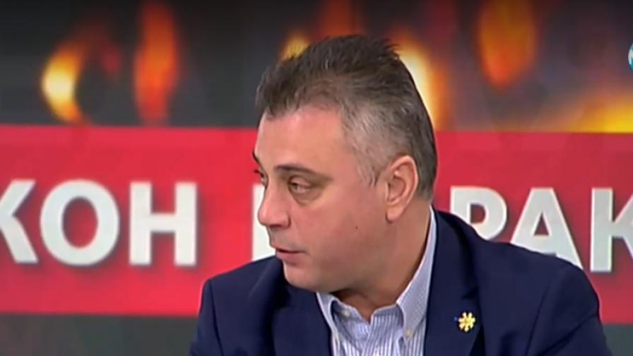 Ангелов: Конституцията е ясна за еднополовите бракове