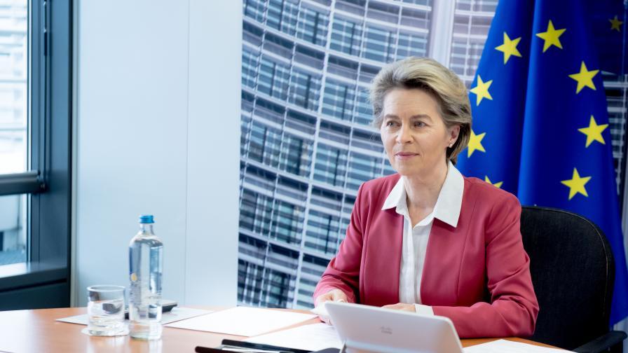 Фон дер Лайен с молба страните от ЕС да дарят ваксини на Украйна