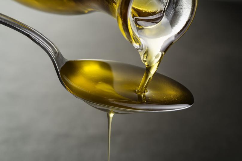 <p><strong>Маргарин, масло</strong> &ndash; най-добре се придържайте към безопасния зехтин;</p>