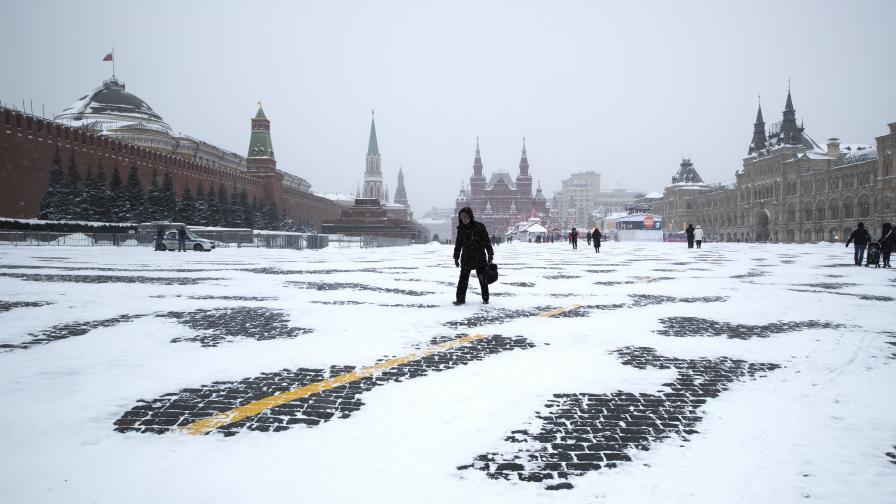 Снежен апокалипсис блокира Москва