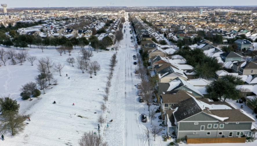 Студен атмосферен фронт остави без ток милиони хора в Тексас
