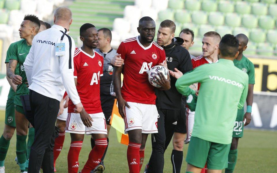 ЦСКА няма да може да разчита на френския халф Амос
