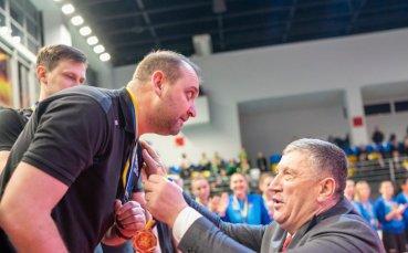 Наш треньор спечели исторически трофей в Украйна