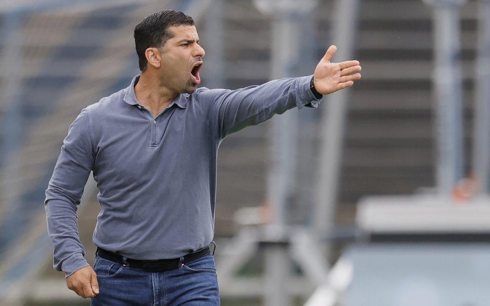 Лудост: Шалке с пети нов треньор през сезона