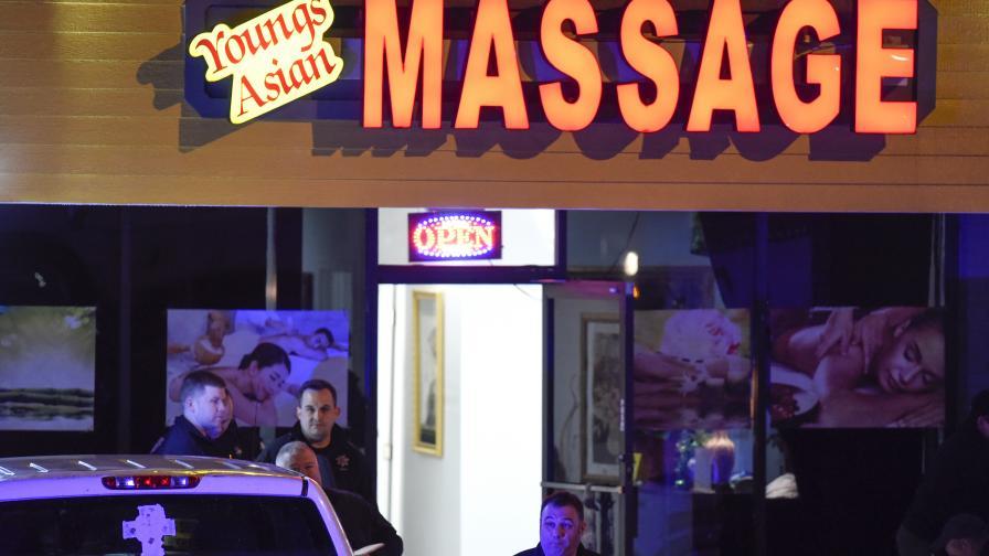 Масов убиец разстреля 8 души, гониха го 240 км