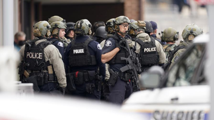 Стрелба в супермаркет в Колорадо, има жертви, сред които и полицай