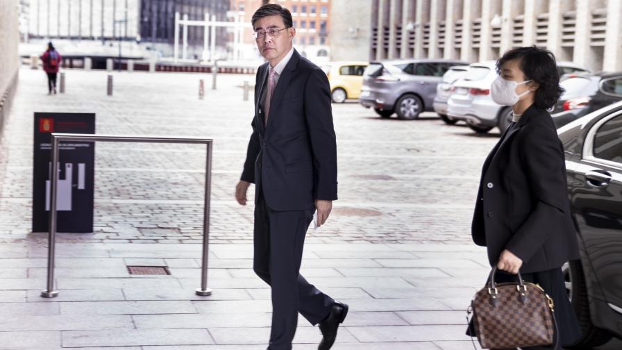 Посланикът на Китай в Копенхаген пристига във външното министерство на Дания