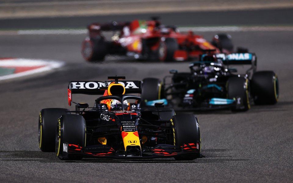 Легендата на F1 Мика Хакинен очаква изключителна борба между отборите
