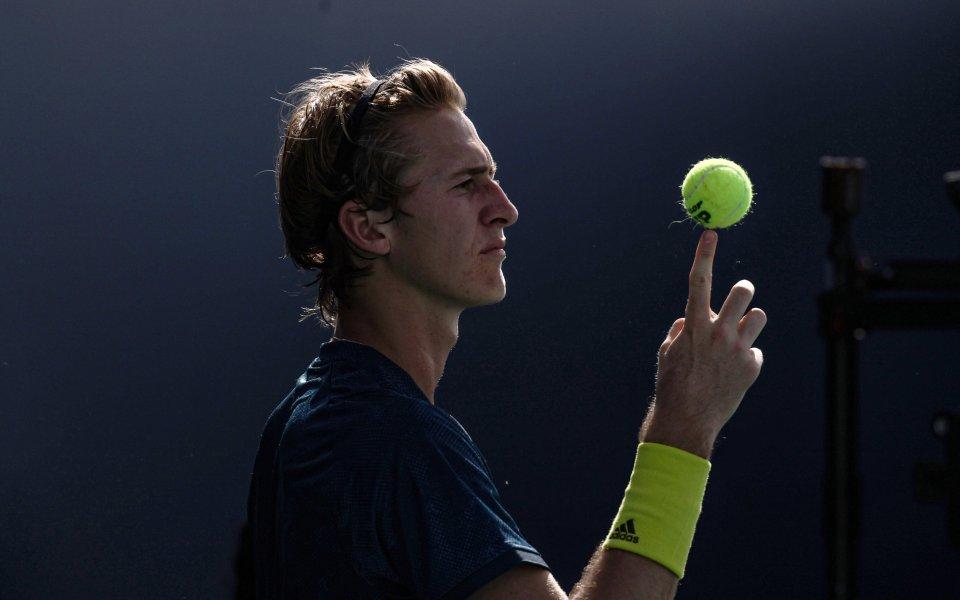 Американският тенисист Себастиан Корда продължава отличното си представяне в Маями,
