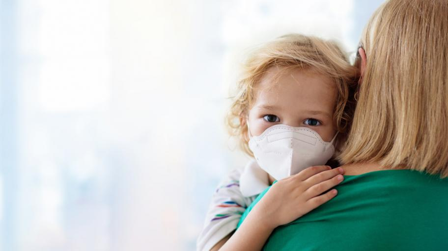 Кое пази децата да не се разболяват тежко от COVID-19