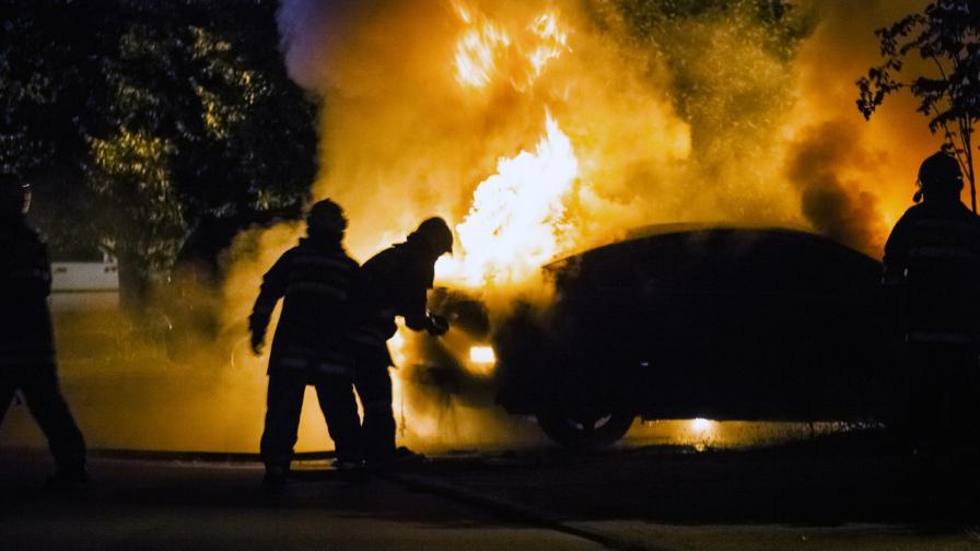 <p>Защо запалиха колата на политик в Шумен</p>