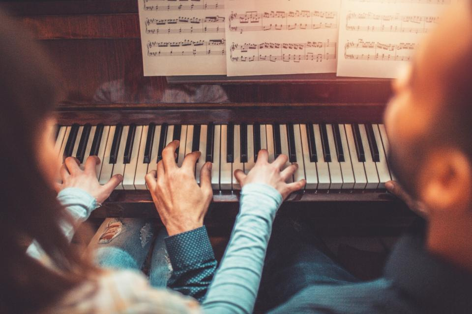 двойка любов пиано музика