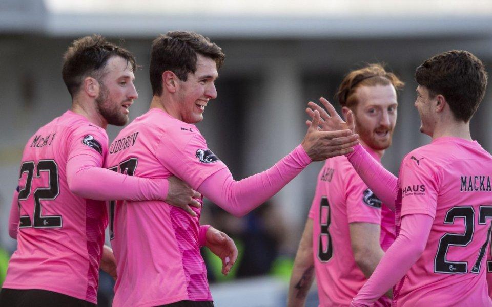 Тодоров няма спирка в Шотландия - закова нови два гола (видео)