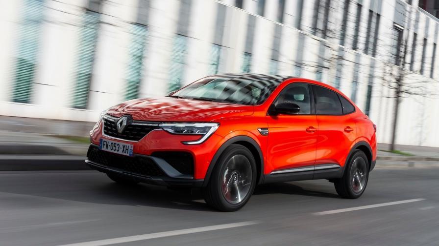 Спортният SUV хибрид на Renault стартира от 47 000 лв.