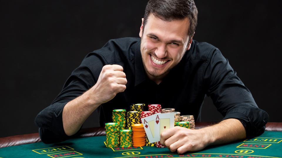 мъж хазарт