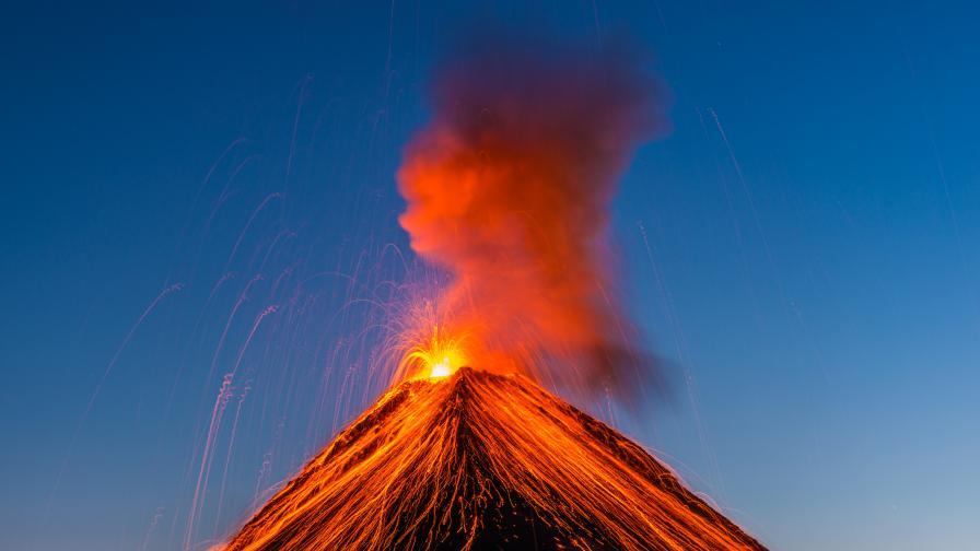 Избухнал вулкан предизвика масова евакуация
