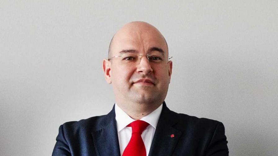 Борислав Генов