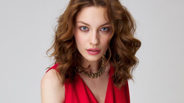 EDNA ОБ(Л)ИЧА: Страстна и делова като кралица Летисия (6 продукта на страхотни цени)