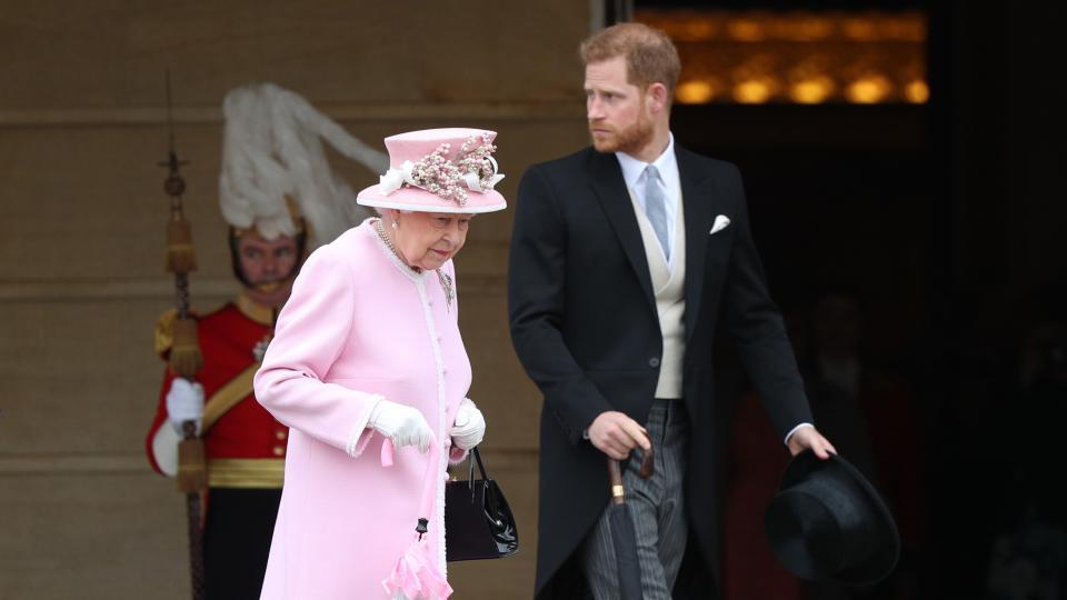 принц Хари кралица Елизабет
