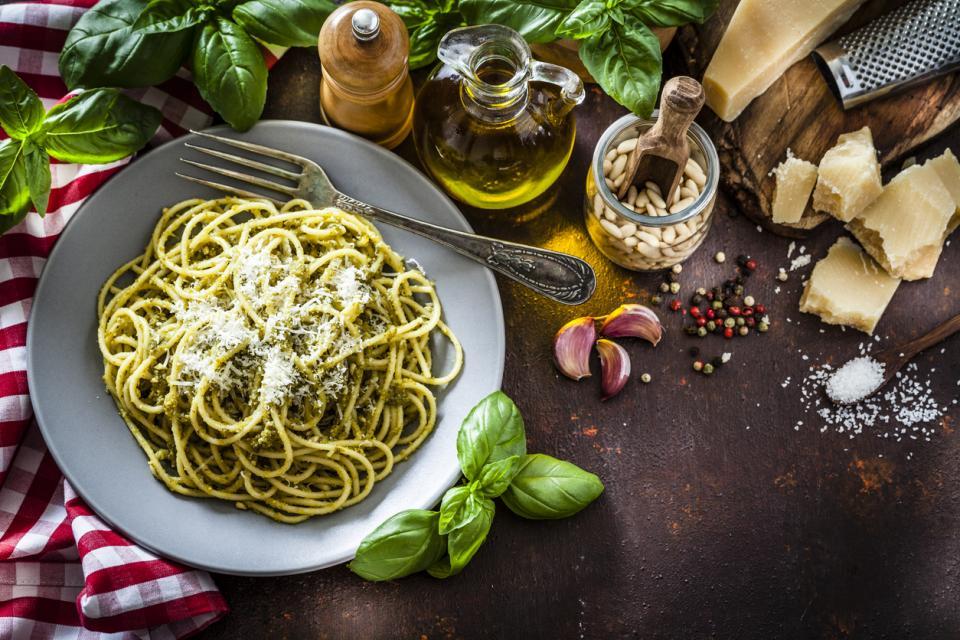 паста песто спагети италия италианско