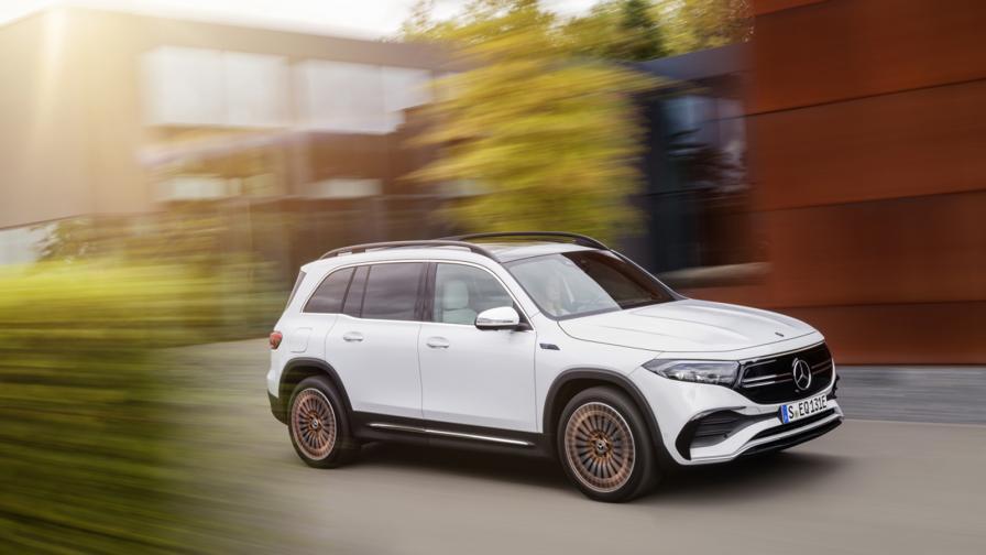 <p>Mercedes продължава ударно: новият EQB с пробег до 478 км</p>