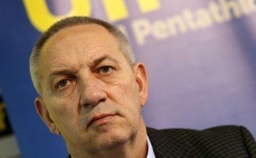 Министър Кузманов поздрави волейболистките ни