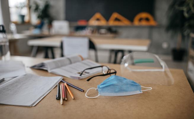 Учители настояват за задължителни маски за всички ученици