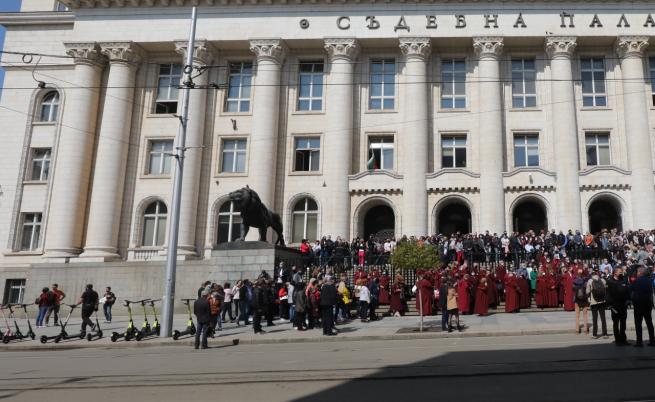 Ще събере ли ВСС 17 гласа срещу Иван Гешев (Обобщение)