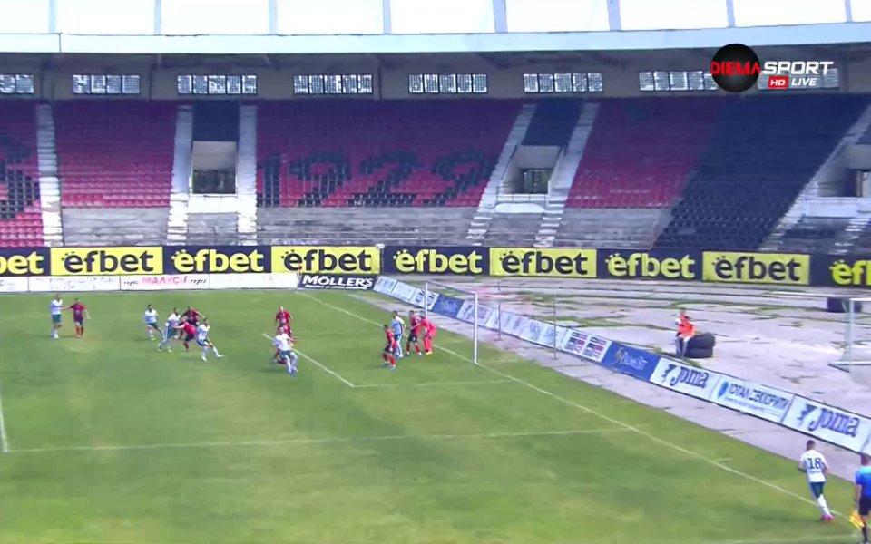 Отборът на Янтра реализира втори гол в 28-ата минута по