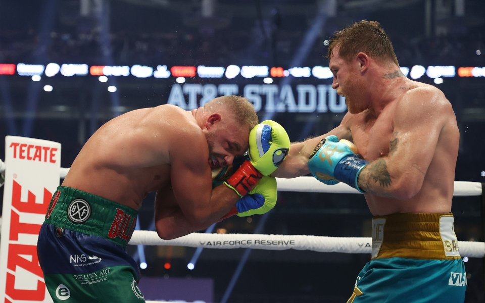 Мексиканският боксьор Канело Алварес победи британеца Били Джо Сондърс с