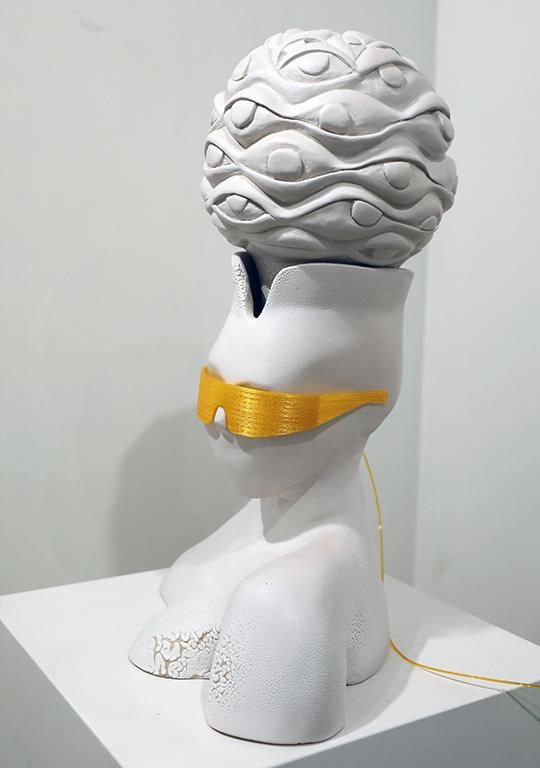 <p>Тяхната школа по Керамика стои в своя собствена категория, носи своя неповторим характер, а зад огромния принос за разцвета й стои името на Моника Попова.</p>