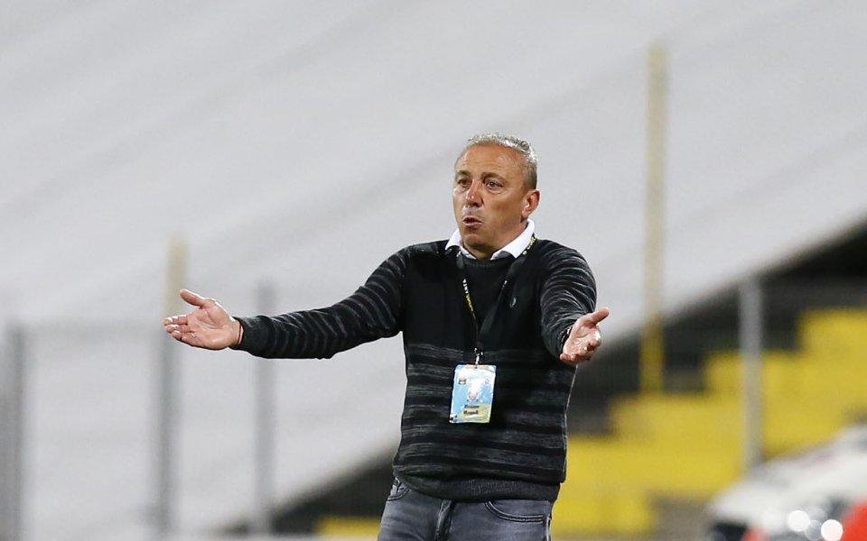 Наставникът на Черно море похвали играчите си за себераздаването при