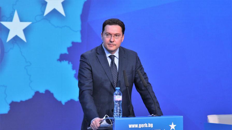 Даниел Митов: Радев предизборно се опитва  да лъже всички
