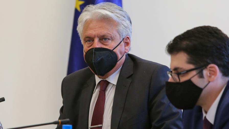 Началникът на кабинета на Рашков подаде оставка