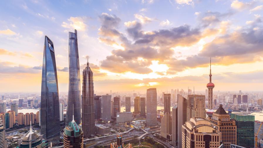 Паника в Китай, небостъргач се разтресе без причини