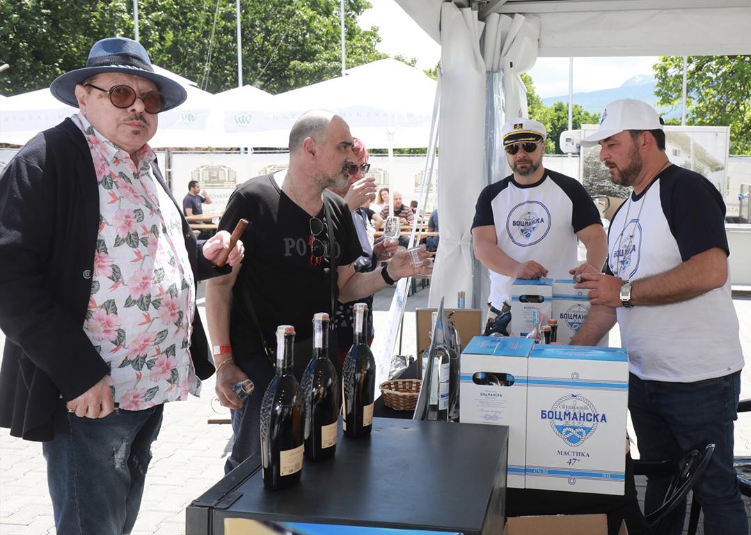 <p>Дегустация на повече от 400 вида ракии и други напитки от Балканите и света пред Зала 6 на, НДК, София 29 и 30 май</p>