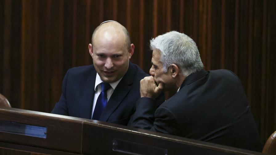 Противници на Нетаняху се споразумяха за управляваща коалиция в Израел