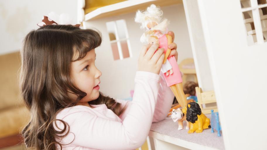 Доказано: Играчките помагат на децата да развият социални умения