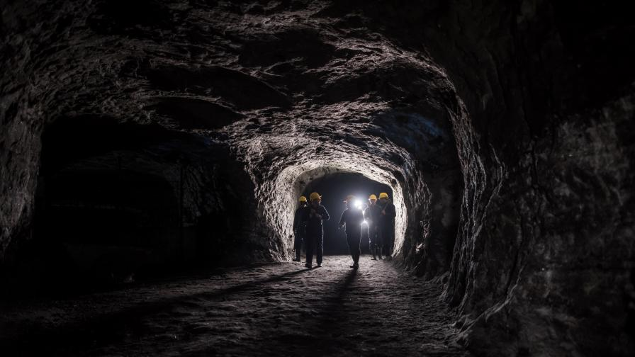Тежки злополуки в китайски мини, има загинали