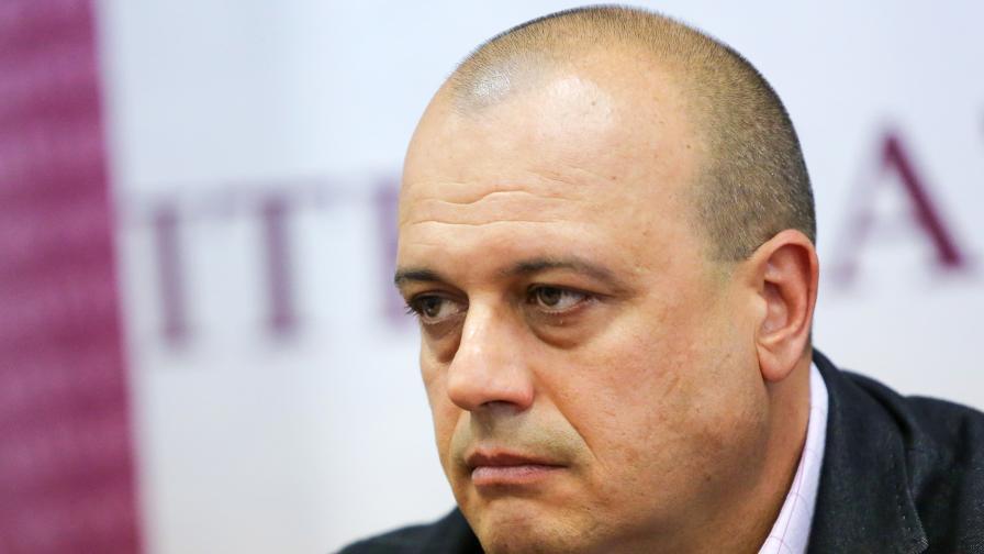 Проданов: България отчаяно се нуждае от смяна на политиката