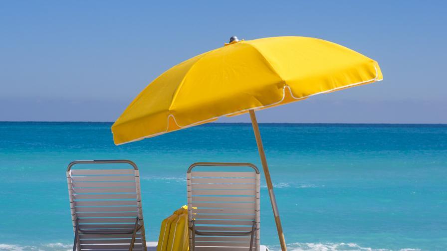 Кои ще са плажовете с безплатни чадъри и шезлонги