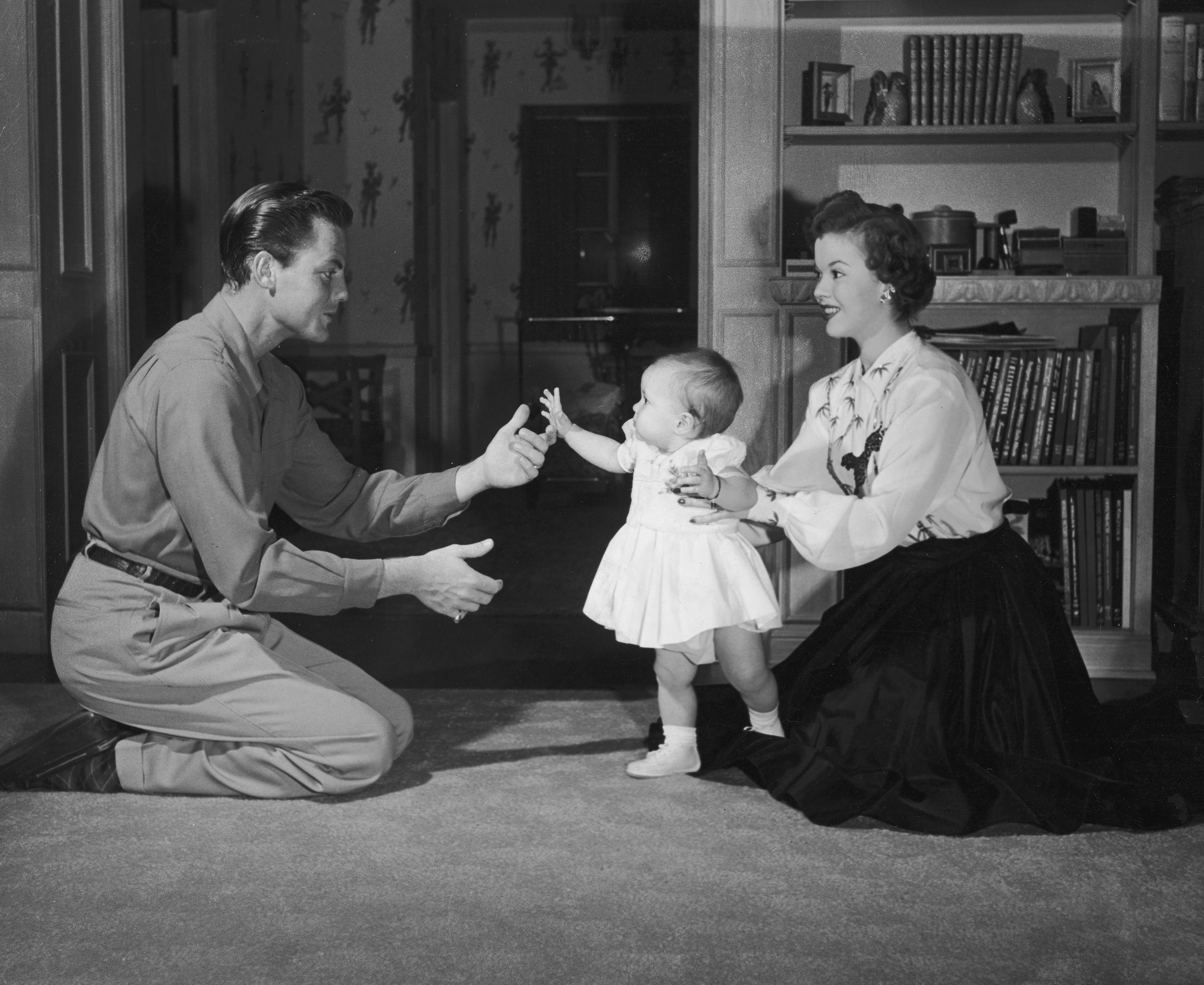 <p>Част от живота на американската актриса, певица, танцьорка и дипломат Шърли Темпъл, представен в снимки</p>