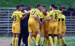 Станимир Стоилов набеляза головата машина на Втора лига