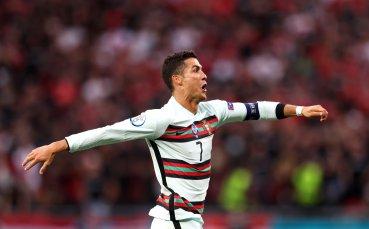 Майката на Роналдо е запалила свещ за Португалия
