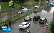 Пороен дъжд в Русе, наводниха се улици