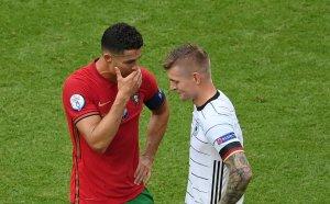 Кроос разкри какво са си говорили с Кристиано Роналдо