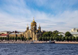 Рекордно горещо време в Санкт Петербург