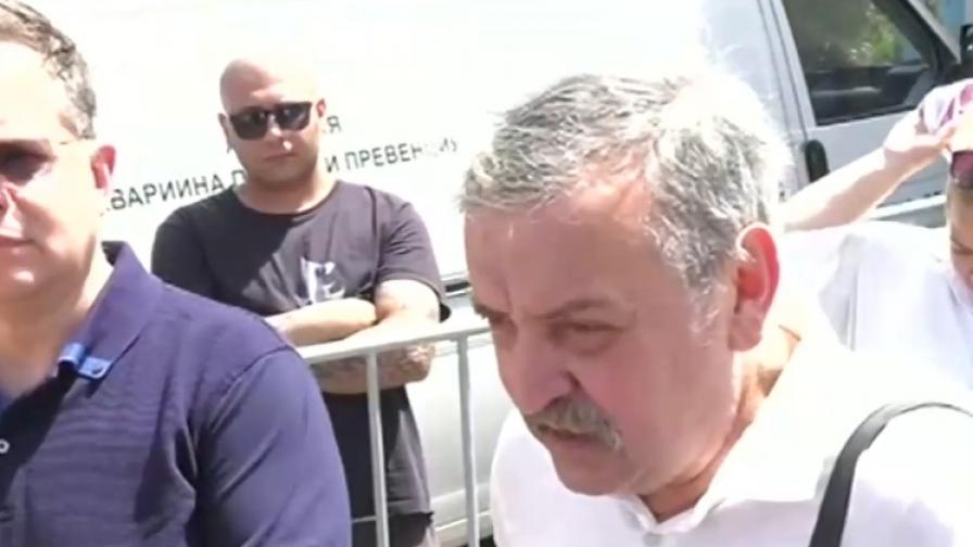 """Кантарджиев настоя за мерки срещу """"Делта"""" щама на ковид"""