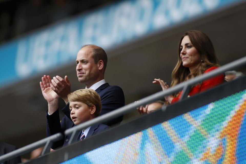 принц Уилям и син